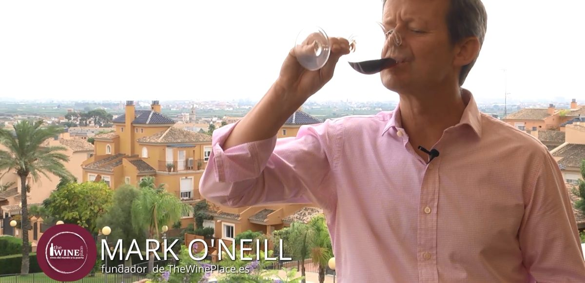 Is it necessary to make a slurping noise when tasting wine?